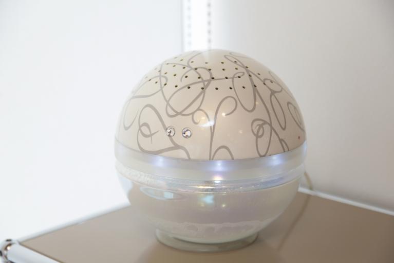アロマ機能付き空気洗浄機(マジックボール)で居心地の良い空間を提供します